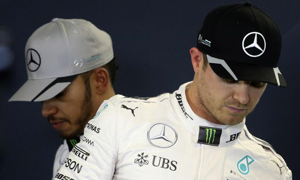 ISFRONT: Lewis Hamilton (t.v.) og Nico Rosberg er ikke akkurat perlevenner lenger. Nå er de bare bitre konkurrenter. Foto: NTB Scanpix