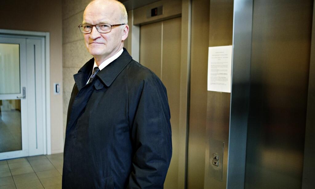 FORSVARER: Erling Lyngtveit forsvarer biskop Bernt Eidsvig. Foto: Nina Hansen / Dagbladetog