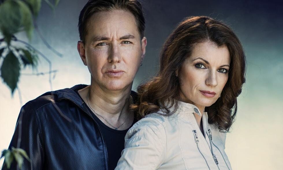 INTERVJU: Alexander og Alexandra Ahndoril er forfatterparet bak pseudonymet Lars Kepler. Foto: Thron Ullberg.