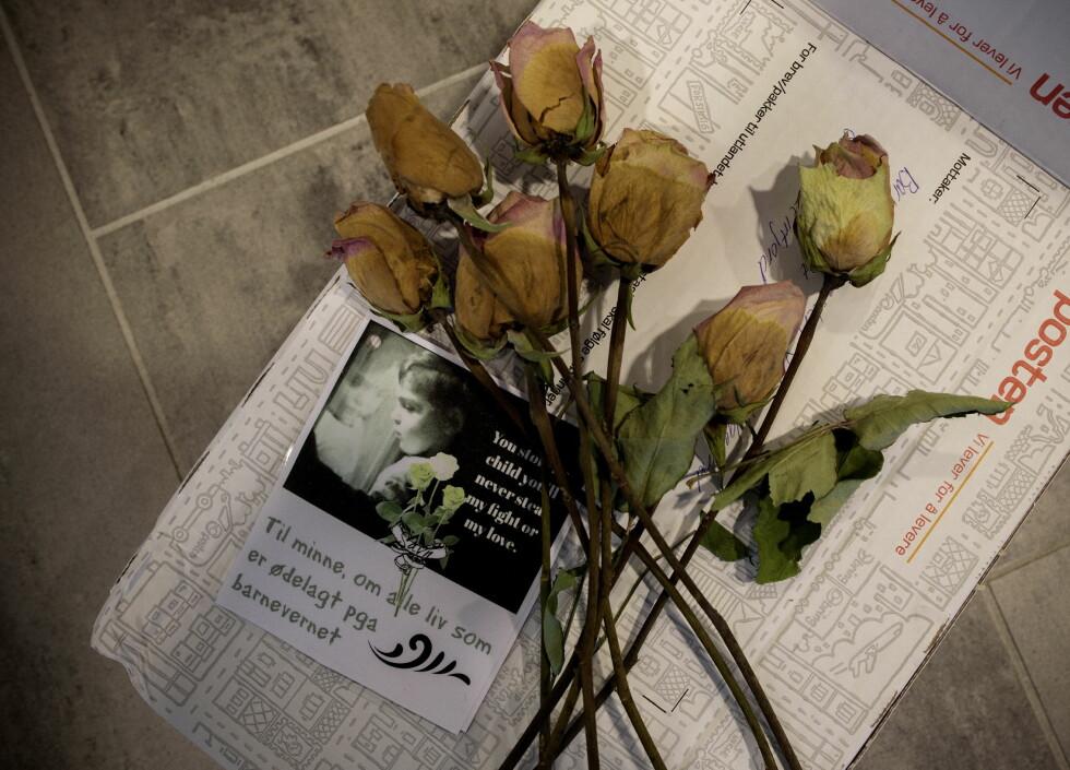 Hat i alle kanaler: Døde roser i posten, trusseltelefoner og hatmail er en del av hverdagen for de fleste barnevernsarbeidere. Rosen kommer ikke like ofte. Alle foto: Tomm W. Christiansen
