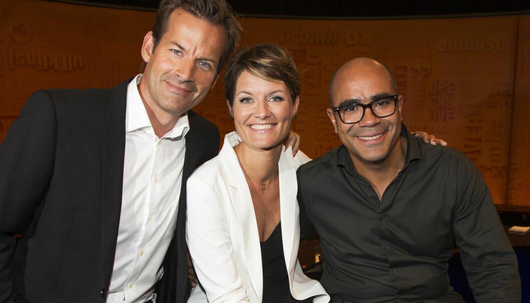 DAGENS GJENG: Jon Almaas med «Nytt på nytt»-kollegene Pernille Sørensen og Johan Golden. Foto: Tore Skaar, Se og Hør
