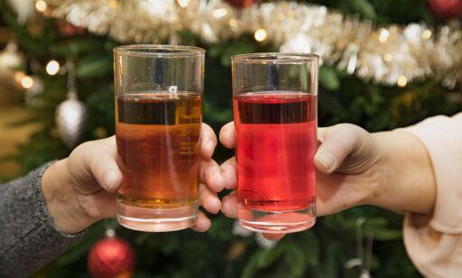 image: Rød eller brun: Hvilken julebrus er best?