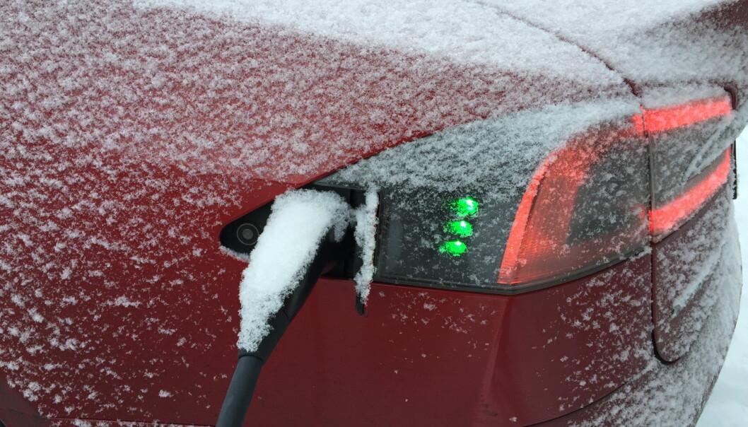 <strong>REDUSERER REKKEVIDDEN:</strong> Rekkevidden på elbiler reduseres når er kaldt, da må man være ekstra oppmerksom slik at man ikke kjører seg tom for strøm. Foto: Arne V. Hoem
