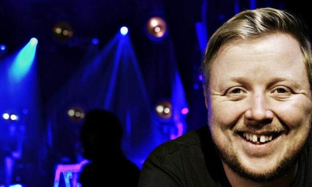 image: Kurt Nilsen (38) skal feire sin første jul i nytt hus på Minnesund. Han skal bare spille jula inn for 40 000 mennesker først
