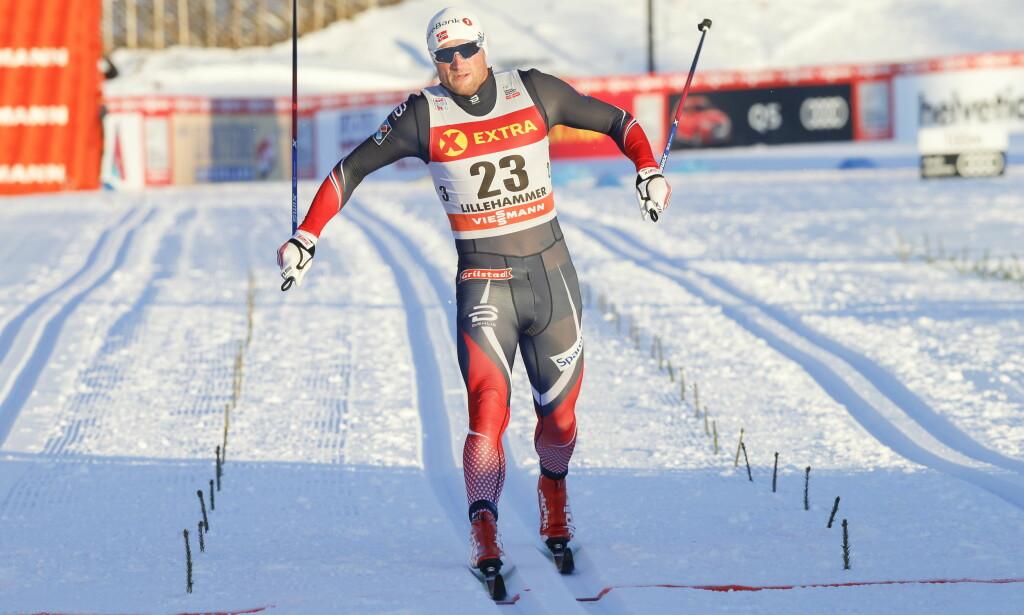 FORSIKTIG START: Verdenscupleder Calle Halfvarsson vant sprintprologen på Lillehammer, mens Petter Northug ble nr. 20. Kvartfinalene starter kl. 12.00. Foto: Anders WIklund / TT kod 10040
