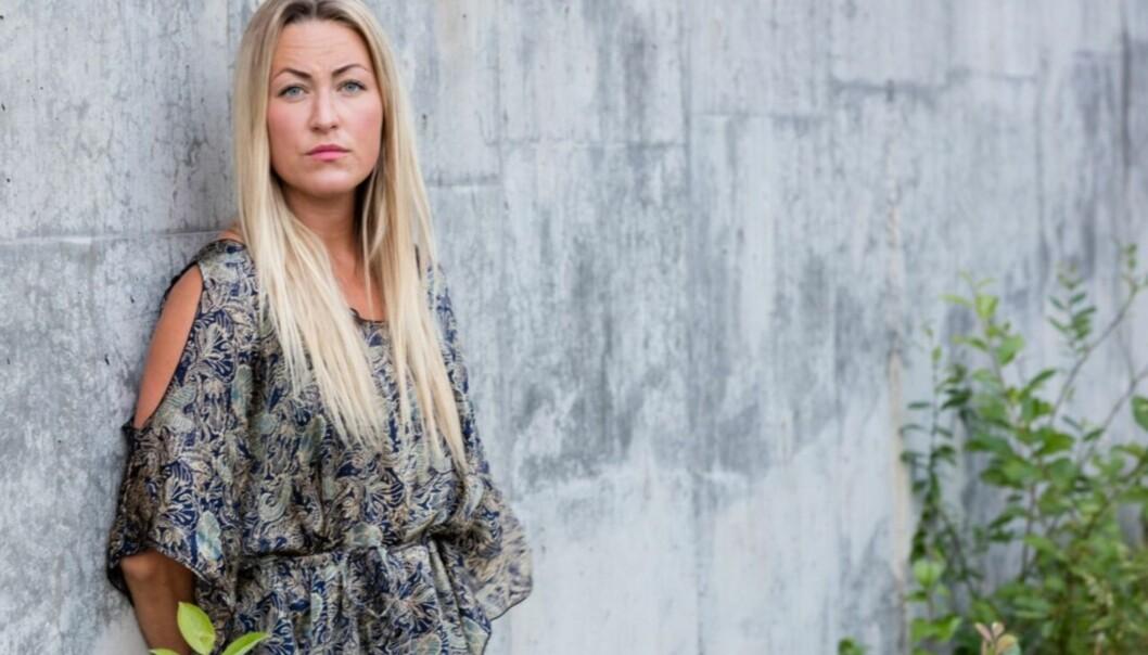 <strong>TØFF OPPTAKT TIL «FARMEN»:</strong> Stine Hatmann opplevede en tøff tid da kjæresten hennes brått slo opp med henne, dagen etter bursdagen hennes. Foto: TV 2