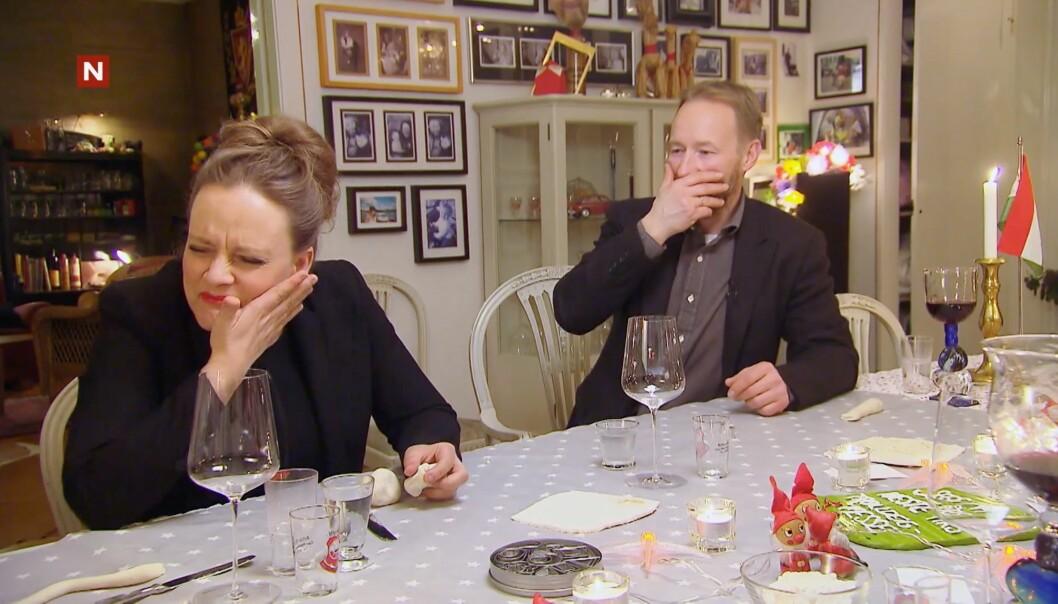 <strong>UFFDA:</strong> Henriette Steenstrup tar seg til kinnet, mens Kjetil André Aamodt slår hånden for munnen. Trolldeig-stuntet hans gikk i vasken. Foto: TV Norge / Discovery Networks Norway