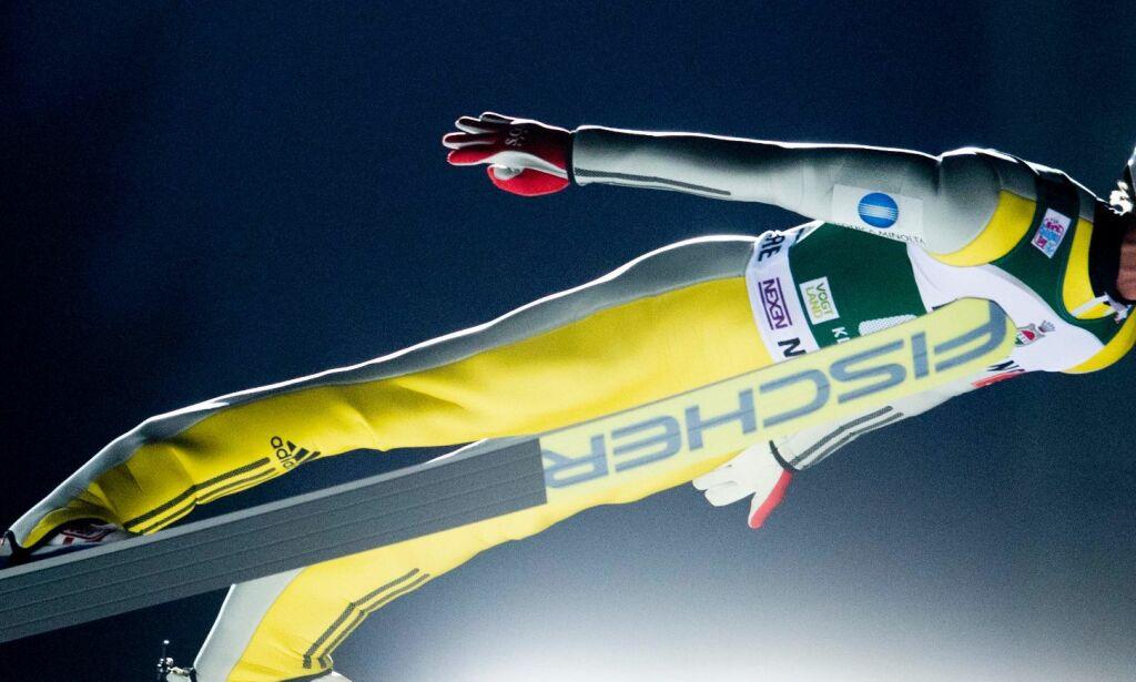 image: Daniel-André Tande falt etter superhopp: - Han måtte stoppe. Han hadde nesten hoppet seg i hjel