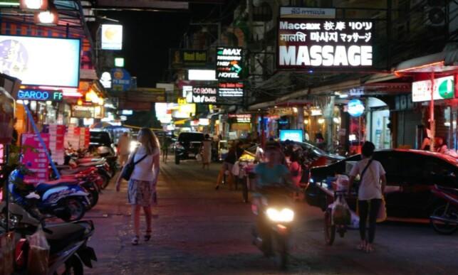 PATTAYA: I byen øst i Thailand bor litt over 100 000 mennesker. I februar ble fem nordmenn arrestert på en bridgeklubb i byen, fordi politiet mistenkte bruk av ulovlige spillkort. Alle ble sluppet løs igjen, etter tolv timer i varetekt. Foto: Thomas Engström / Expressen