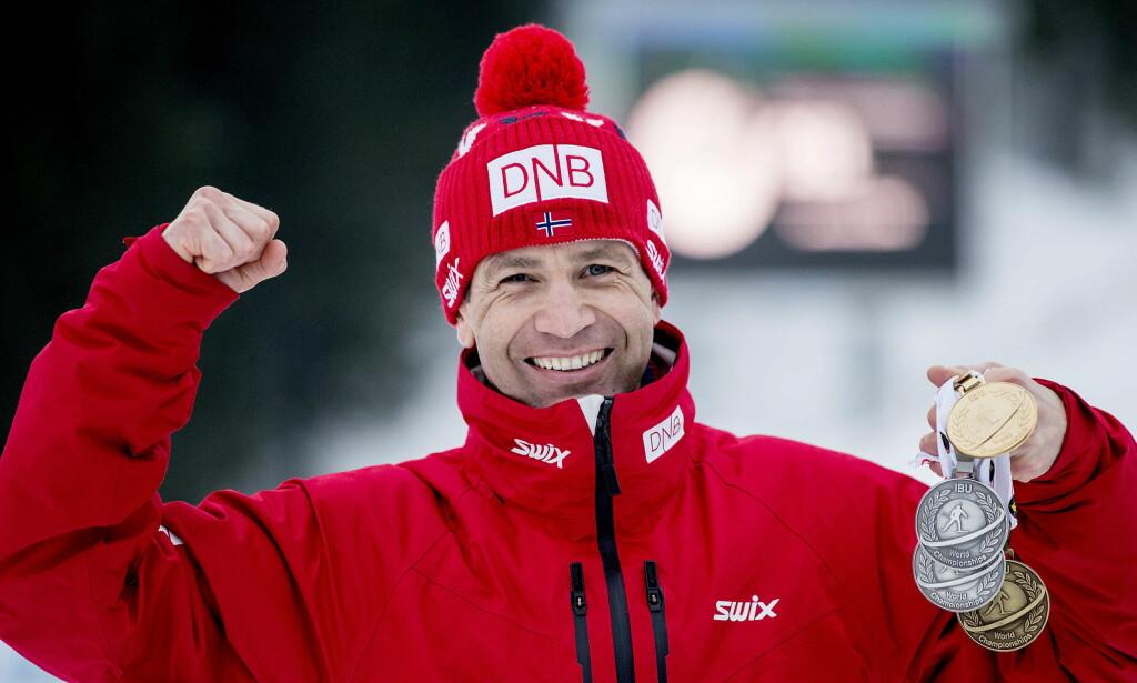 MANNEN SOM VINNER OG VINNER OG VINNER...: Ole Einar Bjørndalen skulle egentlig legge opp i 2014, men under VM i Holmenkollen i år, sikret 42-åringen seg fire nye medaljer til en allerede helt vanvittig samling. Foto: Bjørn Langsem / Dagbladet