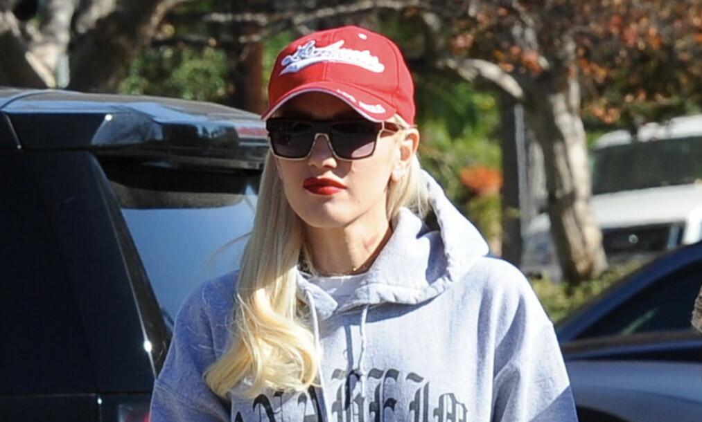 SUGEMERKE: Det var et tydelig sugemerke på Gwens hals når fotografene spottet henne i helgen. Foto: Scanpix
