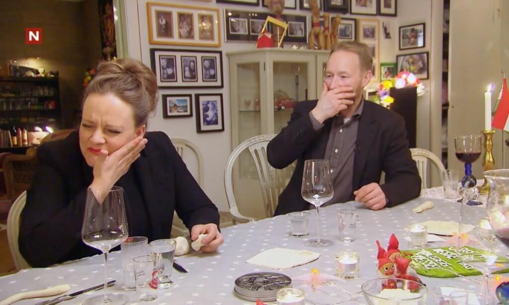 UFFDA: Henriette Steenstrup tar seg til kinnet, mens Kjetil André Aamodt slår hånden for munnen. Trolldeig-stuntet hans gikk i vasken. Foto: TV Norge / Discovery Networks Norway