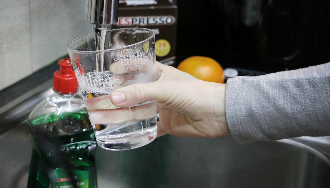 DRIKKE VANNET I SPRINGEN? Størsteparten av kranvannet på Kanariøyene er avsaltet sjøvann. Bør du drikke det, og er det godt? Foto: Ole Petter Baugerød Stokke