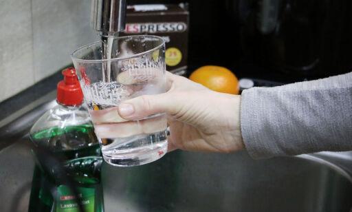 image: Store funn av plast i drikkevannet: - Ikke overrasket om det også gjelder Norge, sier ekspert