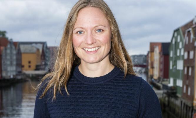 ANNO 2017: Linn Elise Rølvåg jobber som helikopterflyger. Foto: Frank Foss / STRIX / NRK