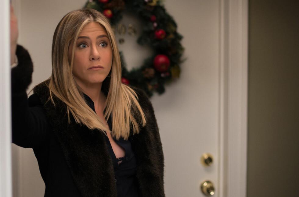 Prioritering: Livet er alt for kort til å kaste det bort på uvesentlige ting. Som å bry seg med bagateller, late som om man liker lutefisk, drikke dårlig vin - og se på romantiske komedier med Jennifer Aniston. Foto: NTB Scanpix.