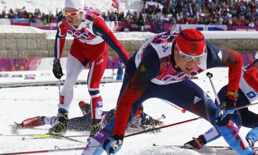 KLASSEINNSPURT: Russerne tok tredobbbelt på 5-mila i Sotsji-OL etter en monsterspurt. Totalt utslitte lå de i målområdet rundt Martin Johnsrud Sundby, fjerdemann på distansen. FOTO: Heiko Junge / NTB scanpix