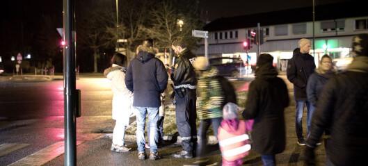 To minutter etter at drapet var meldt til politiet, så vitnet en mann løpe skrått over veien: - Han må ha vært involvert