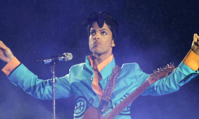 LEGENDE: Prince gjorde seg bemerket verden over, og ga i løpet av karrieren ut hele 39 album. Foto: NTB Scanpix / AFP