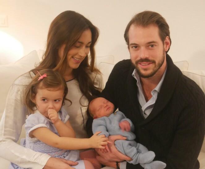 <strong>LYKKELIG FAMILIE:</strong> Prinsesse Claire, prins Felix, prinsesse Amalia og lille prins Liam Henri. Foto: Scanpix