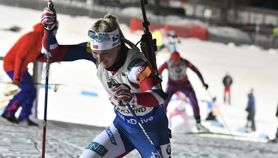 KRUTTSTERK TREDJEPLASS: Marte Olsbu klinte til, og ble tredje beste i dagens skiskyttersprint. Foto: AFP PHOTO / TT News Agency / Robert HENRIKSSON / NTB Scanpix