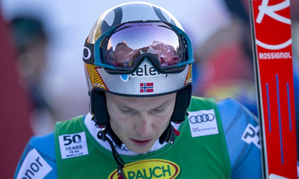 RED BULL: Oslo tingrett sier at Skiforbundet ikke får lov til å kjøre med Red Bull-logo på hjelmen. Foto: Cornelius Poppe / NTB scanpix