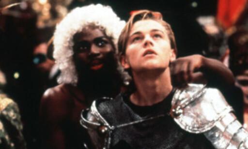 MASKERADEBALL: Karakteren Mercutio var utkledd som en drag queen, mens hovedrollen, Romeo, var kledd ut som en ridder. Begge skal ha representert personlighetene til karakterene. Foto: NTB scanpix