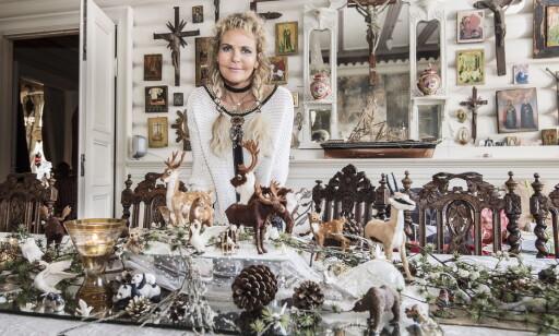 LANGBORD: Langbordet hjemme hos Elisabeth Werp er allerede ferdig pyntet til jul. FOTO: Hans Arne Vedlog / Dagbladet