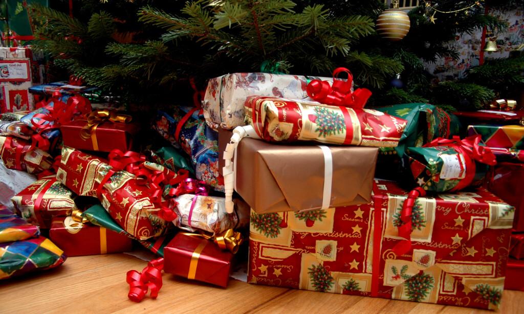 STJÅLET: Gavene som ble lagt under juletreet på Domkirkeplassen i Stavanger er stjålet. Illustrasjonsfoto: NTB scanpix
