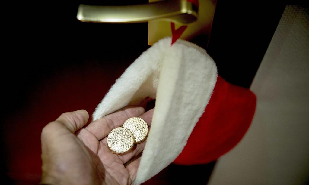 GULL: Gullsjokolade i julestrømpa fra det danske laget. Foto: Bjørn Langsem / Dagbladet