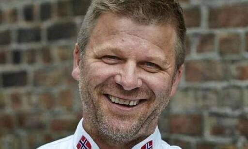 – Du får full kontroll på ribba med denne teknikken, sier Espen Vesterdal Larsen, daglig leder på Kulinarisk Akademi. (Foto: Kulinarisk Akademi)