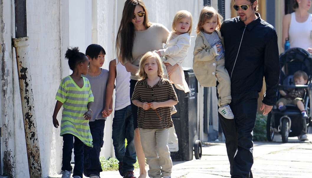 KJEMPER OM BARNA: Angelina Jolie skal ifølge Daily Mail kjempe alt hun kan for å sikre seg full omsorgsrett for barna hun har med eks-mannen Brad Pitt. Foto: Scanpix