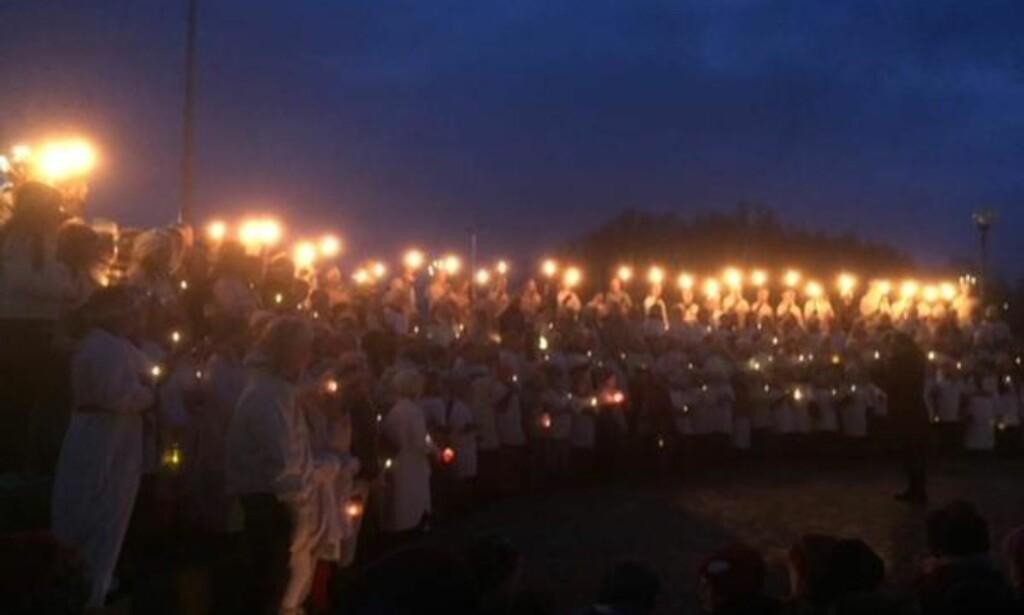 LUCIA: Dagens Lucia-feiring ved Mørkevedmarka skole i Bodø gikk ikke som planlagt. Bildet er hentet fra invitasjonen som ble sendt ut for to dager siden. Foto: Mørkevedmarka skole