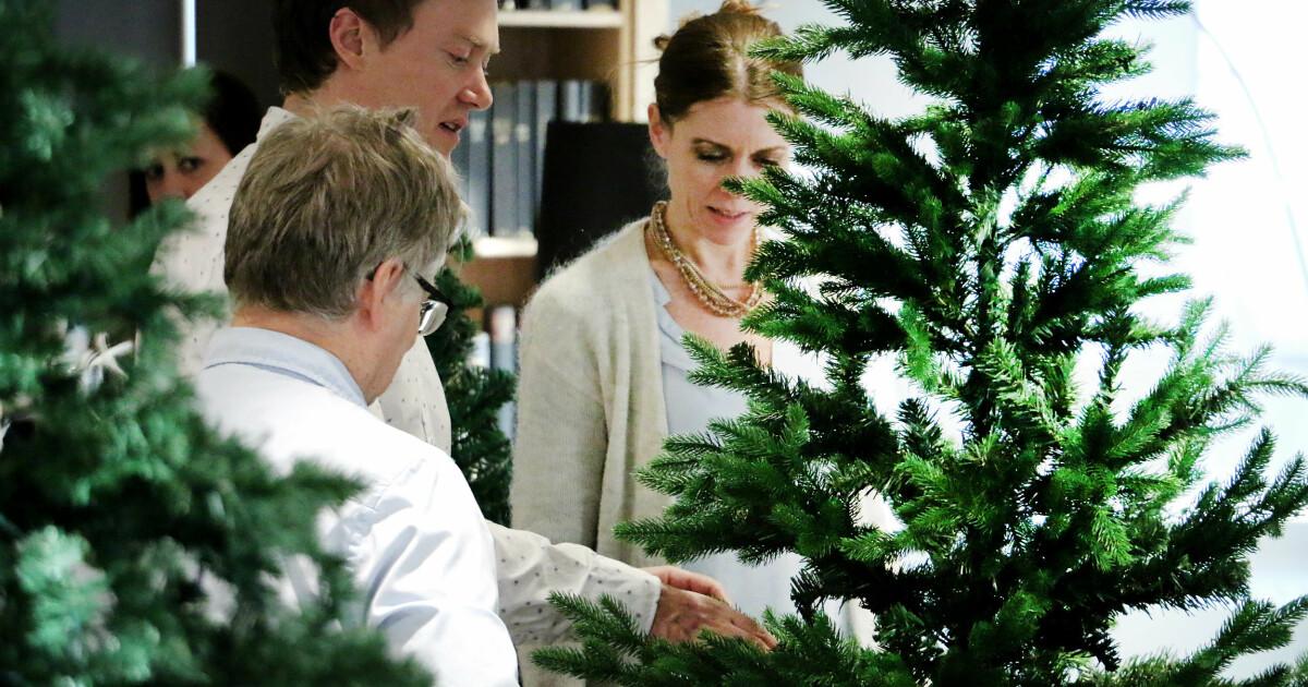 Flott Test av kunstige juletrær - Du grønne, glitrende tre av plast SZ-12