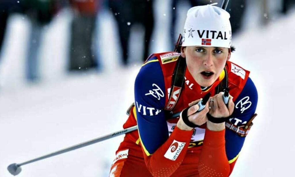 GULLJENTA: Gro Marit Istad Kristiansen gikk inn til et overraskende gull. Foto: BJØRN LANGSEM