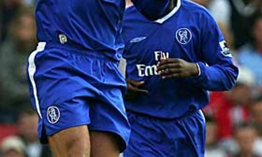 SCORET TO: Eidur Gudjohnsen puttet to for Chelsea. Foto: REUTERS
