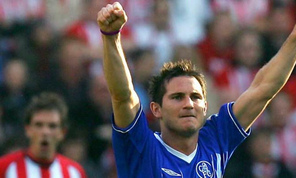 LAMPARD-JUBEL: Frank Lampard scoret Chelseas første. Claus Lundekvam oppgitt i bakgrunnen. Foto: REUTERS