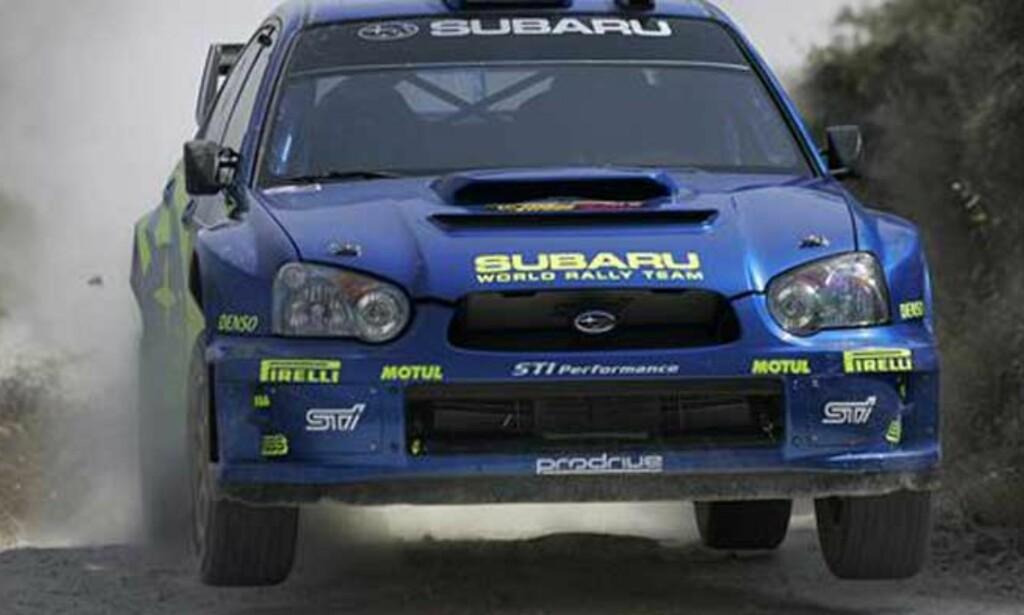 KJEMPETRØBBEL: Det meste gikk galt med bilen til Petter Solberg i dag. FOTO: SWRT.COM