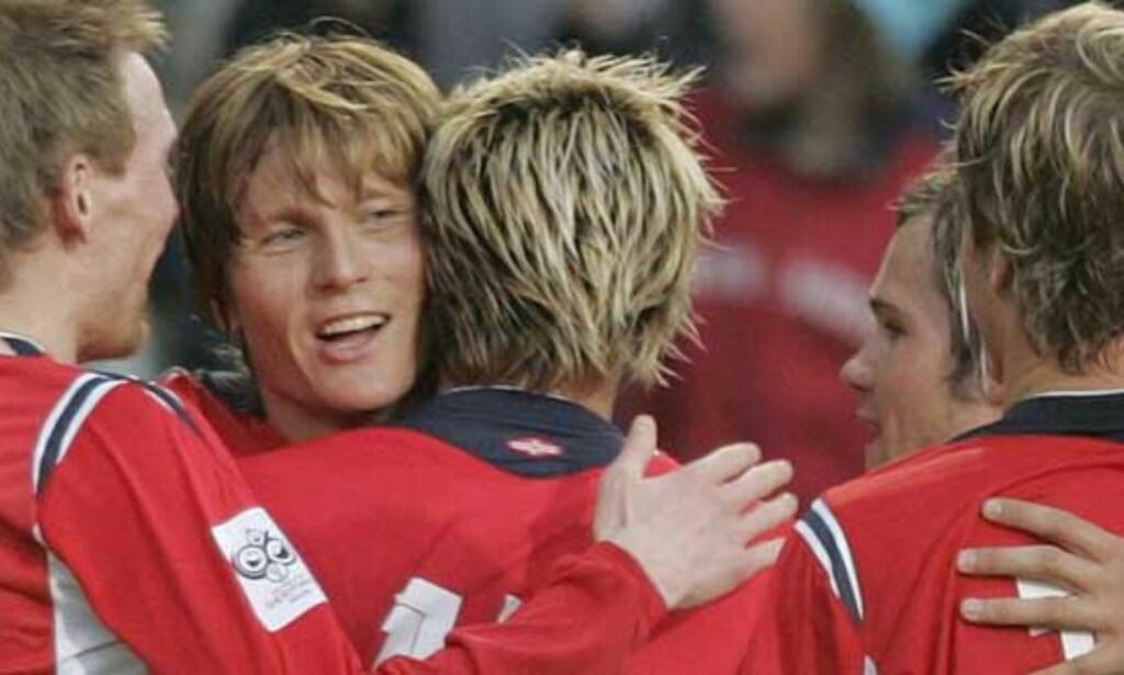 JOHNSEN INN FOR IVERSEN? Synes du matchvinneren mot Costa Rica fortjener en plass mot Italia? Foto: SCANPIX