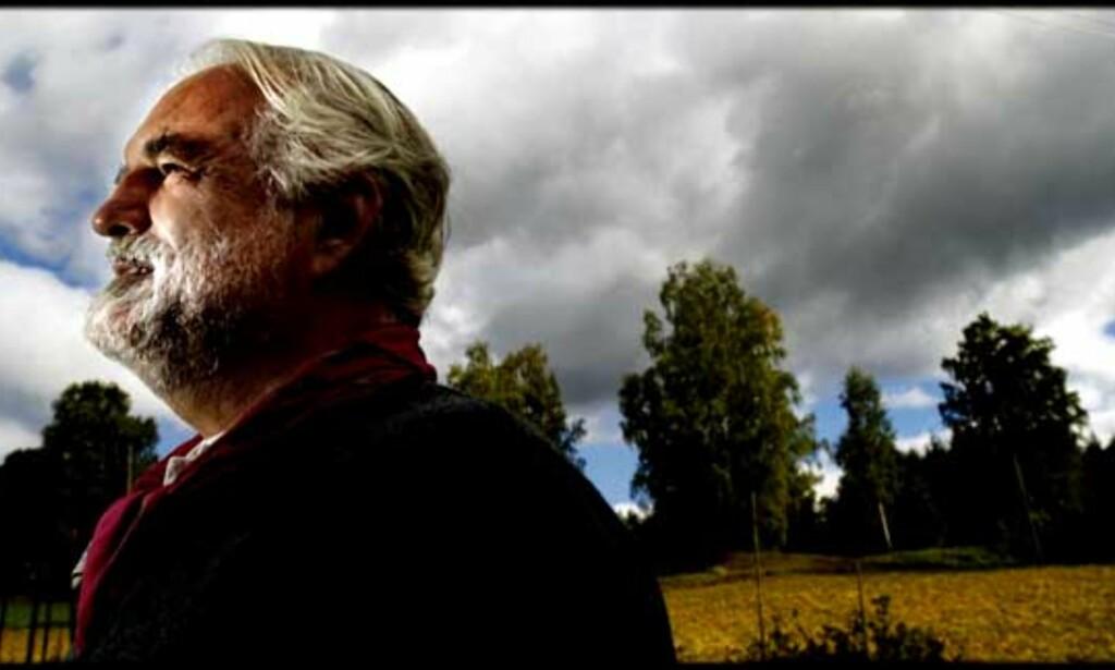 STOR LYRIKER: Terje Johanssen debuterte med «Vegen å gå» i 1975 og utga 22 diktsamlinger. Han var en særpreget poetisk stemme i generasjonen som debuterte på 1970-tallet. Foto: Lars Eivind Bones