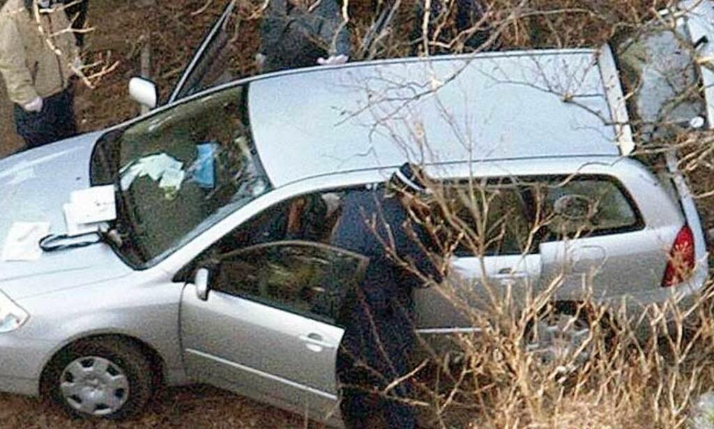 GRUPPESELVMORD:En kvinne og to menn ble funnet døde i denne bilen i Higazu Izu i Japan i februar i år etter gruppeselvmord Foto. Scanpix