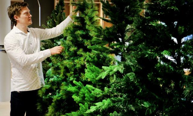 Fasjonable Test av kunstige juletrær - Du grønne, glitrende tre av plast AP-46