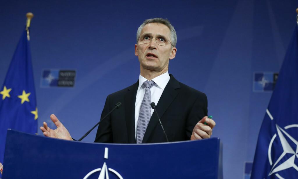 PRESSET: NATOs generalsekretær Jens Stoltenberg skal ifølge storavisa The Washington Post ha blitt forsøkt presset til å sparke sin egen nestsjef, visegeneralsekretær Rose Gottemoeller. Foto: Xinhua / NTB Scanpix