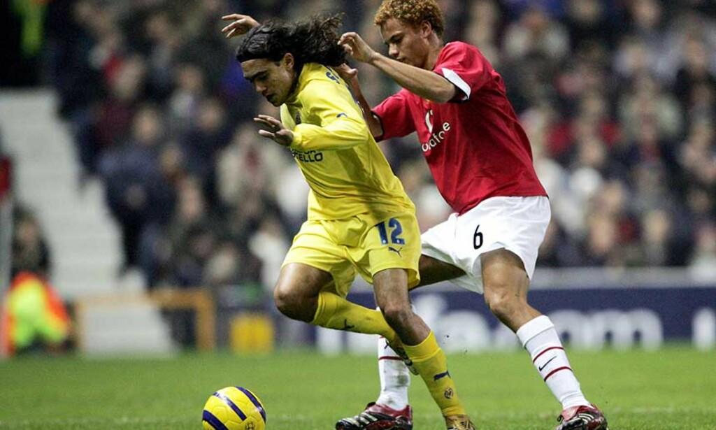 MÅLLØST: Verken Manchester United og Wes Brown eller Juan Pablo Sorin og Villarreal klarte å score mål på Old Trafford i kveld. Foto: AP/Scanpix