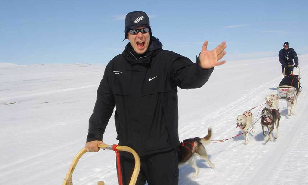 TRENINGSTUR: Fyrst Albert har han gjennomført lange treningsturer i Sverige og Norge med hundeslede. Her mellom Tromsø og svenskegrensa. Foto: Karl-Magnus Karlsson