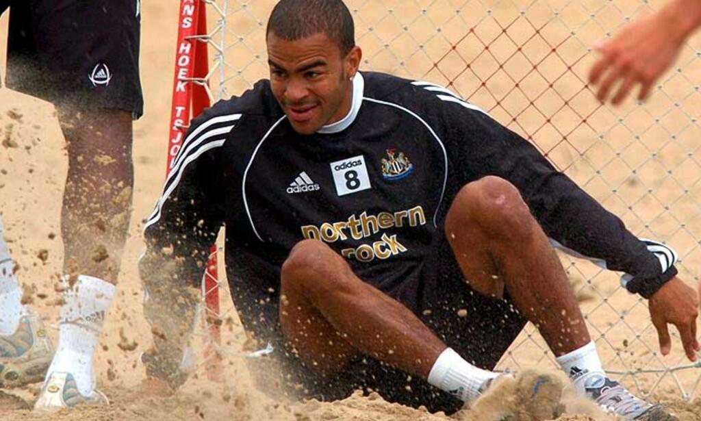 SNART FRISK: Kieron Dyer håper OL-senteret i Storbritannia har løst skadegåten hans. Foto: Scanpix/Epa