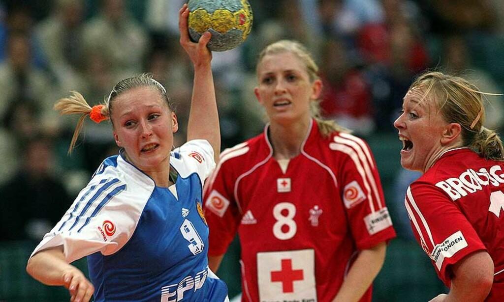 FINALEKLARE: Bliznova og Russland suste forbi Danmark og til VM-finale mot Romania, mens Mortensen og Brødsgaard må ta til takke med bronsekamp. Foto: REUTERS/SCANPIX