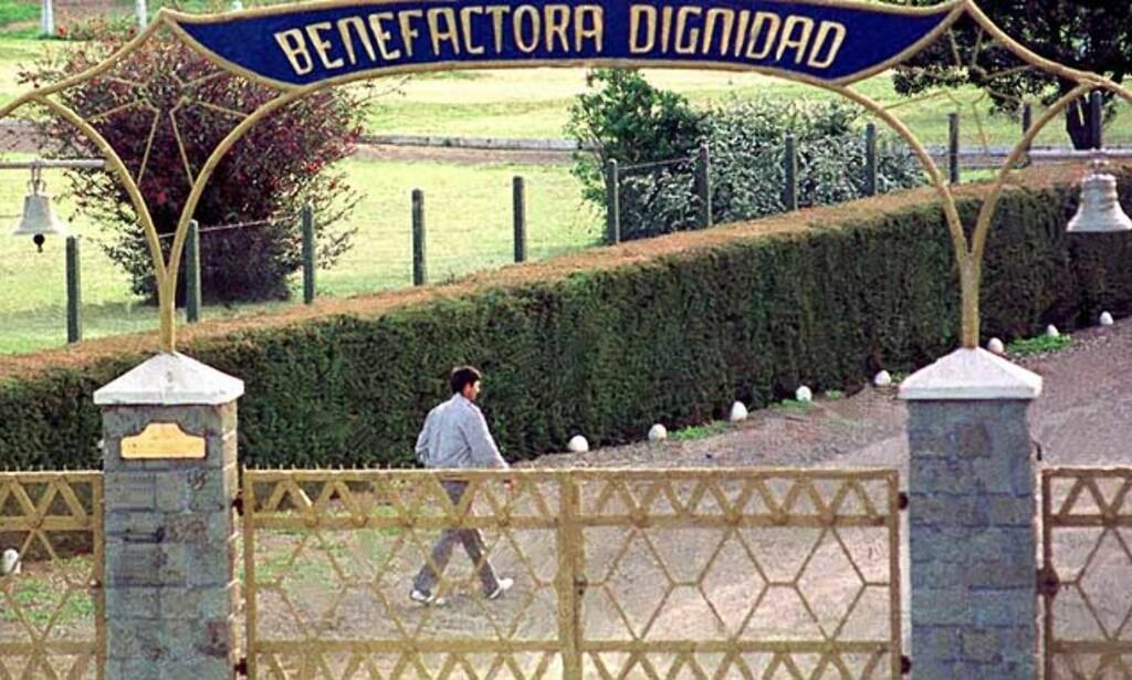 «VERDIGHETENS KOLONI»: Det lukkede tyske samfunnet Colonia Dignidad ble startet i Chile i 1961. Tidligere i år tok chilenske myndigheter kontroll over området, etter at det har blitt avdekket mishandling og overgrep igjennom flere tiår. Den kvinnelig legen Gisela Seewald ble tiltalt for tortur mot barn denne uken. Foto: Reuters