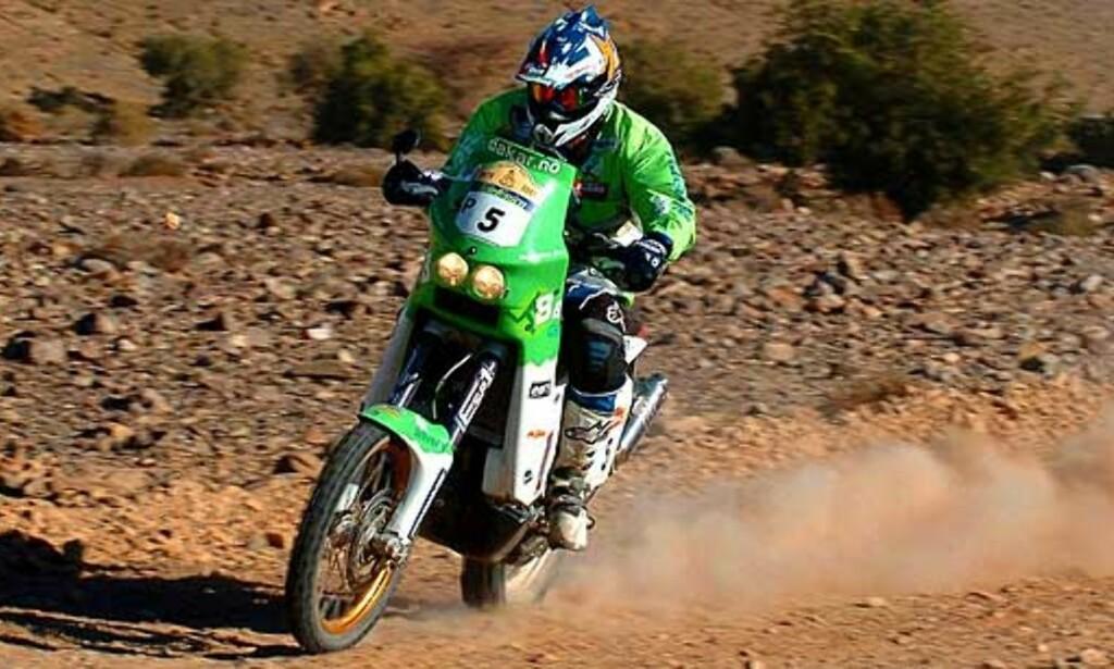 KJØRER I MAROKKO: Pål Anders Ullevålseter og Dakar-kjørerne var i aksjon i Marokko i dag. Her fra fjorårets rally. Foto: Scanpix/Epa