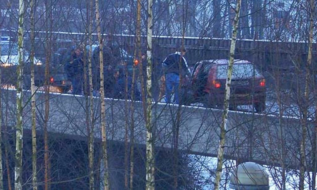 BLE TATT TIL SLUTT: Her har politiet fått tak i villmannskjøreren. Foto: Runar Halling